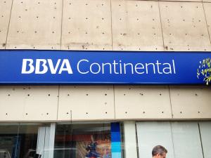 BBVA Continental chacarilla cerca al edificio VISTACORP